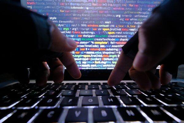 استراتژی مقابله با حملات سایبری